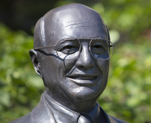 Yeutter Statue